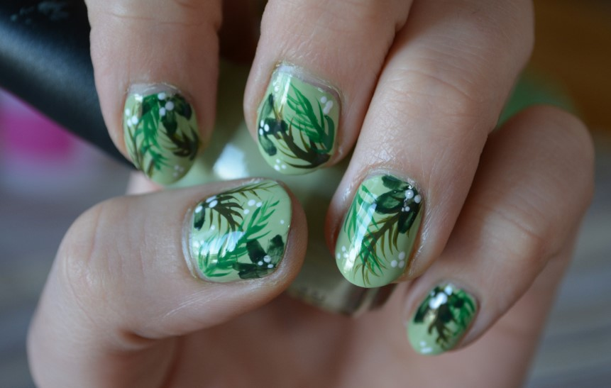 Abstract Leaf Nail Designs